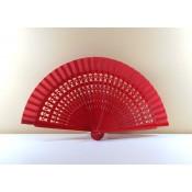 Abanico Madera color rojo con las varillas caladas