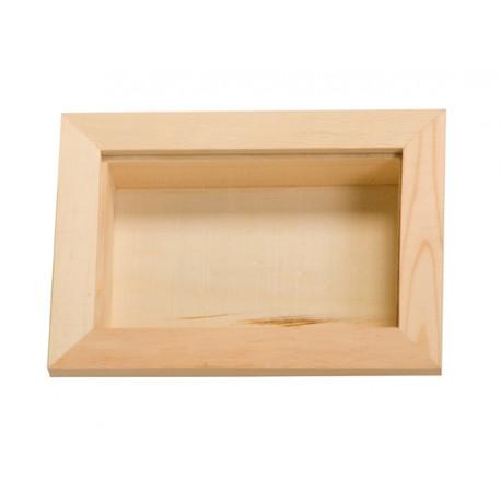Ventana de madera rectangular